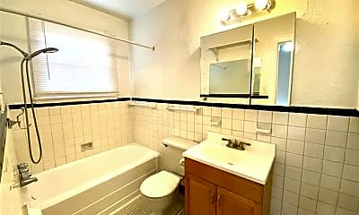 Bathroom, 5216 Milam St 3, 2