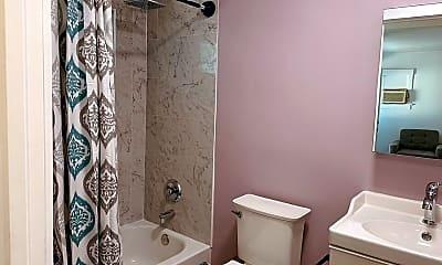 Bathroom, 1032 S Burlington Ave, 2