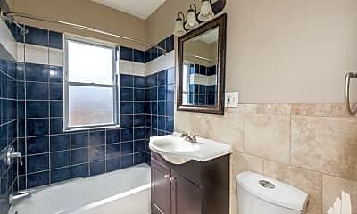 Bathroom, 2755 W Arthur Ave, 2