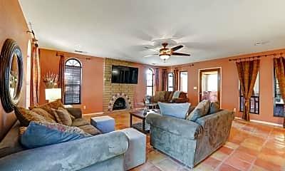 Living Room, 2445 N Thomas St, 0