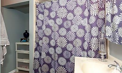 Bathroom, 5854 N Kenmore Ave, 2