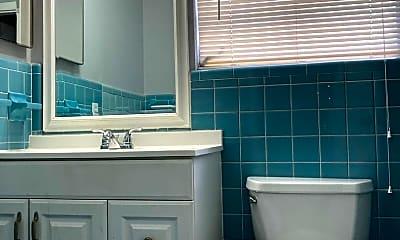Bathroom, 5211 Hollywood Blvd, 2
