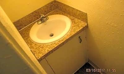 Bathroom, 1615 W Jefferson St, 2