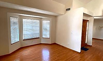 Living Room, 5018 Clairmont Dr, 1