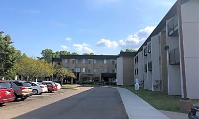 Madison Manor, 0