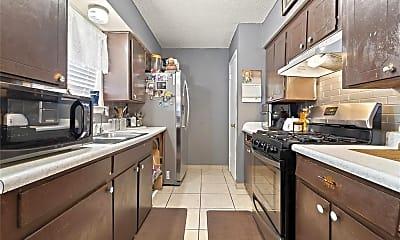 Kitchen, 1106 Shorecrest Dr, 1