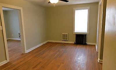 Living Room, 310 Isabelle St, 1