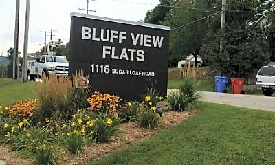 Bluff View Flats, 1