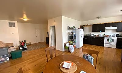 Living Room, 401 Mill St, 2