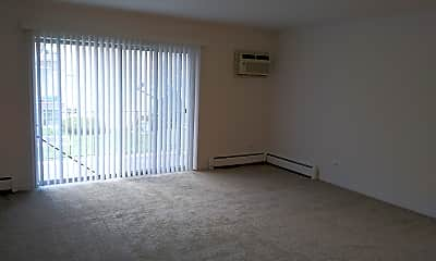 Living Room, 510 N Mill Rd, 2