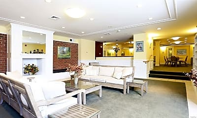 Living Room, 306 Captains Dr, 2