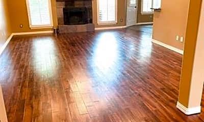 Living Room, 3815 Sumner Ct, 1
