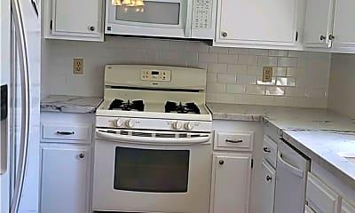 Kitchen, 8885 Modoc Cir 1204C, 2