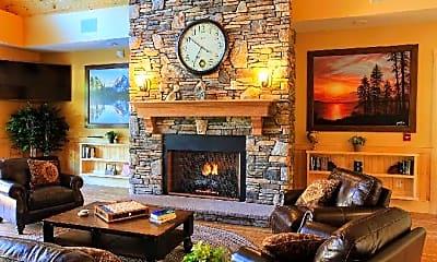 Living Room, 100 Balsam Pl, 2