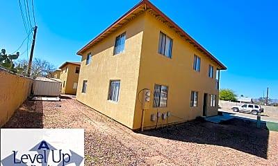Building, 208 E Yavapai Rd, 1