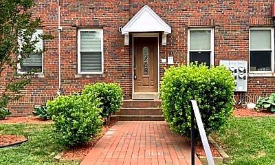 Building, 711 Irving St NE 3, 0