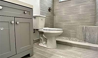 Bathroom, 4995 NW 5 Ave 1, 1