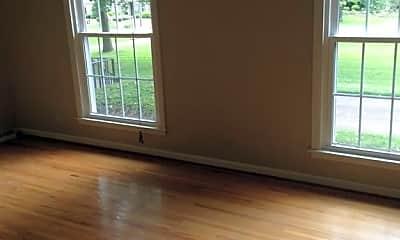 Living Room, 310 Robinhood Rd, 2