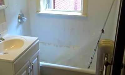 Bathroom, 4031 W Melrose St, 2