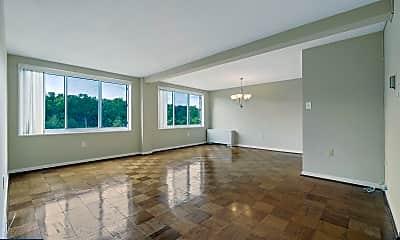 Living Room, 10201 Grosvenor Pl 825, 0