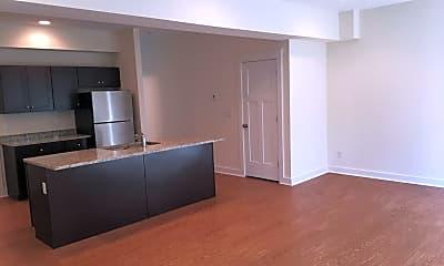 Kitchen, 71 Monroe Dr, 1