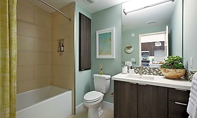 Bathroom, AMLI Uptown Orange, 2