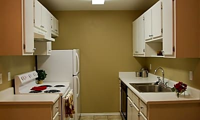 Kitchen, North Pointe, 1