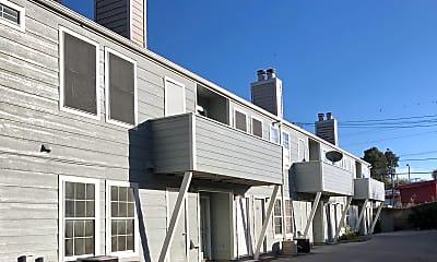 Building, 2463 E 10th St, 2