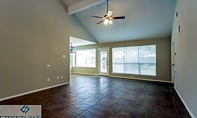Living Room, 2214 Bennigan St, 1