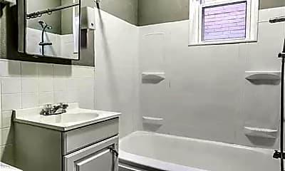 Bathroom, 512 Eiler St, 2