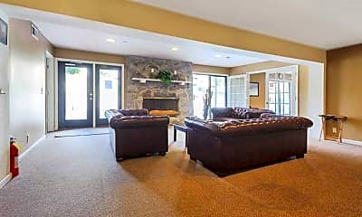 Clubhouse, Rolling Hills, 2