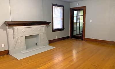 Living Room, 110 1/2 NW 16th St, 1