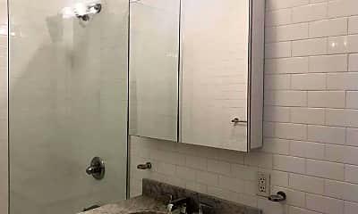 Bathroom, 8 W 9th St, 2
