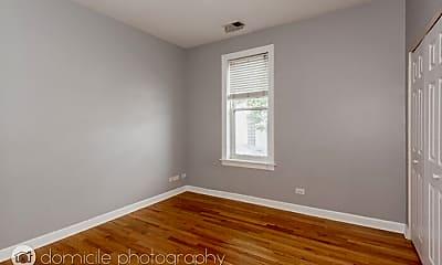 Bedroom, 839 N Marshfield Ave, 2
