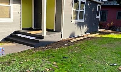 Building, 722 NE Prescott St, 1