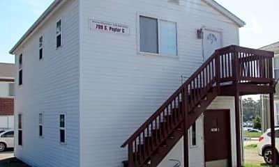 Building, 711 S Poplar St, 0
