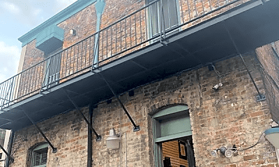 Building, 717 Bourbon St, 2