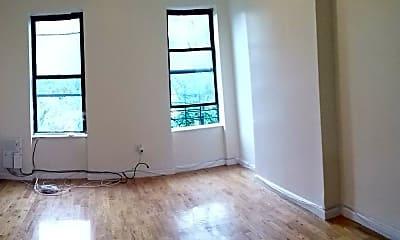 Living Room, 2119 Beverley Rd, 2