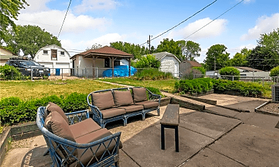 Patio / Deck, 267 Haskell St E, 2