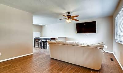 Living Room, 1098 Nez Perce Dr, 1