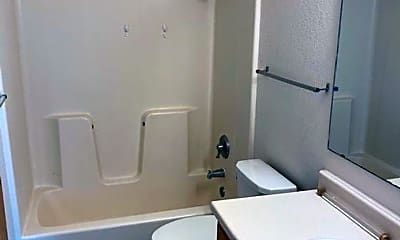 Bathroom, 2807 Lincoln Way, 2