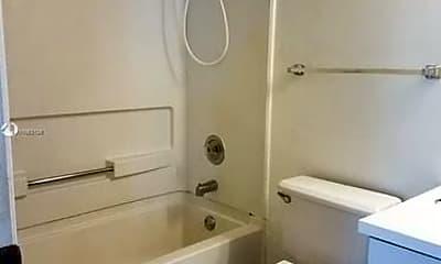 Bathroom, 7125 NW 186th St, 2