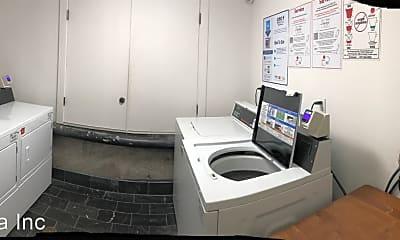 Bathroom, 920 Montgomery St, 2