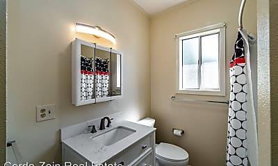 Bathroom, 2811 Encinal Ave, 2