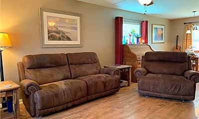 Living Room, 1015 Livermore St, 1