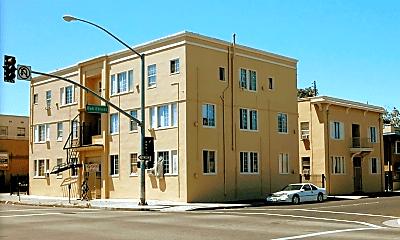 Building, 436 E Oak St, 2
