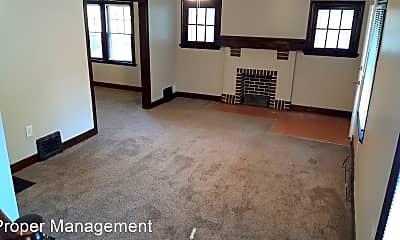 Living Room, 428 W Parkwood Dr, 0