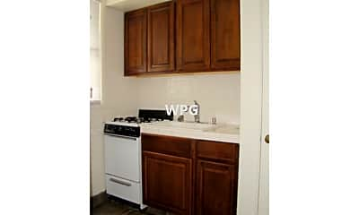 Kitchen, 936 Crane St, 2