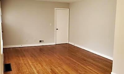 Living Room, 1020 Belle Meade Dr, 2