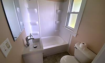 Bathroom, 307 S 4th Ave, 2